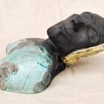 RAKU-Figur, gebrannt im holzbefeuerten Ofen bei ca. 1000°C, geräuchert
